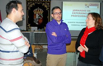 Alberto Toledano (centro), instantes previos a la charla.