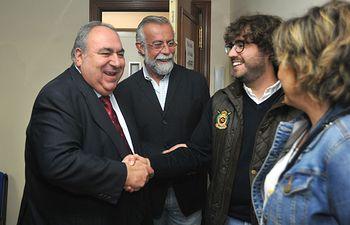 Vicente Tirado en el encuentro que ha tenido con Nuevas Generaciones para respaldar la candidatura de Marta Maroto para liderar la formación juvenil del PP en la región.
