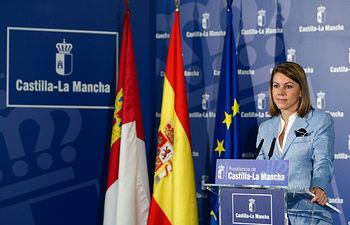 Presidenta Cospedal comparece ante los medios de comunicación. Foto: JCCM.