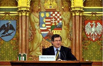 El secretario de Estado español de Universidades, Màrius Rubiralta, durante su intervención en la Conferencia ministerial Europea sobre el Proceso de Bolonia en el Parlamento húngaro de Budapest. EFE