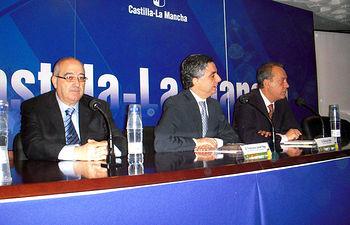 """El Gobierno regional y """"España Original"""" promueven la participación de empresas agroalimentarias de la región en la feria de denominaciones de origen."""