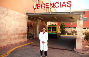 En la imagen el doctor Agustín Sánchez-Carnerero, facultativo del Servicio de Urgencias del Hospital de Manzanares, que está participando en un estudio de carácter nacional sobre los efectos adversos ligados a la asistencia en los servicios de Urgencias de los hospitales españoles.