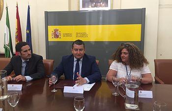 El Ministerio de Agricultura, Alimentación y Medio Ambiente recibe diez silos cedidos temporalmente a la Junta de Andalucía. Foto: Ministerio de Agricultura, Alimentación y Medio Ambiente