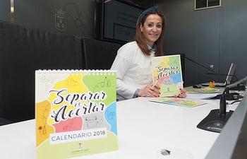 La concejal de Medio Ambiente del Ayuntamiento de Albacete, Rosa González de la Aleja, presenta la campaña de concienciación en la recogida de residuos 'Separar es Acertar', en el Ayuntamiento.