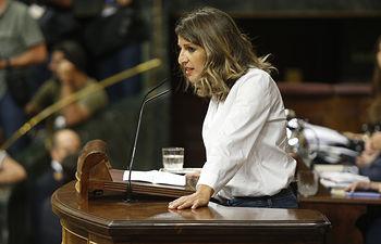 La diputada de Galicia En Comú, Yolanda Díaz, durante su turno para fijar posiciones. Foto: POVEDANO