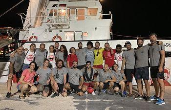 El equipo del barco de Open Arms. Foto: Twitter @campsoscar