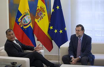 El presidente del Gobierno, Mariano Rajoy, recibe en La Moncloa al presidente de la República de Ecuador, Rafael Correa.