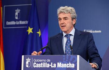 Leandro Esteban en rueda de prensa Consejo de Gobierno 020615 II. Foto: JCCM.