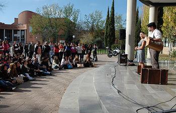 Teatro de calle en el Campus de Albacete