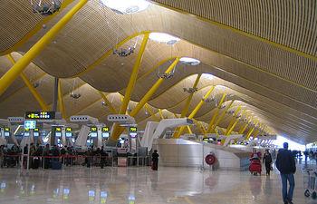 Terminal T4 del aeropuerto Adolfo Suárez-Madrid Barajas. Foto: INTEF