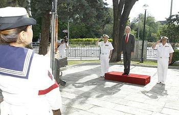 El ministro de Defensa, Pedro Morenés a su llegada (Foto: Ministerio de Defensa)