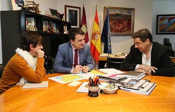Reunión con la responsable de la campaña antinuclear de Greenpeace.
