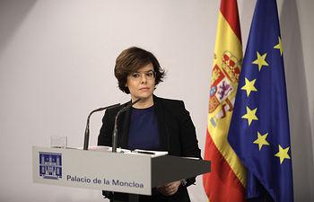 La vicepresidenta del Gobierno, Soraya Sáenz de Santamaría, comparece ante los medios para informar sobre las últimas decisiones del Gobierno con el fin de garantizar el cumplimiento de la legalidad en Cataluña.