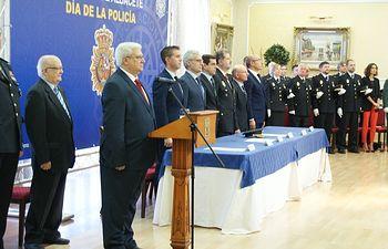 Javier Cuenca felicita a la Policía Nacional por la labor de protección que realiza en la ciudad.