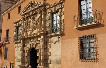 Palacio de los Condes de Cirat, conocido como la Casa Grande, sede del Ayuntamiento de Almansa.