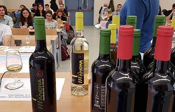 Los vinos DO La Mancha en la Universidad Complutense de Madrid.