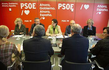 Valerio se reúne en Ferraz con delegaciones de UGT y CCOO.