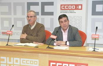 Antonio Arrogante, presidente de la Fundación IES de CCOO en la región, junto a Javier Ortega, secretario de Organización y Finanzas regional de CCOO.
