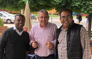 Cesar Garcia y Arbind Singh.