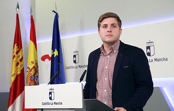 Nacho Hernando durante la rueda de prensa ofrecida en el Palacio de Fuensalida. Foto: JCCM.