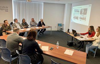 Reunión mantenida por representantes de la Plataforma por la Lagalidad con representantes del equipo de gobierno del Ayuntamiento de Albacete.