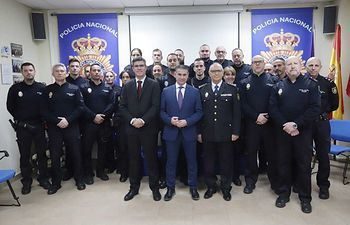 González Ramos valora el trabajo de la Policía Nacional en la recuperación del recién nacido el pasado sábado en Guadalajara.