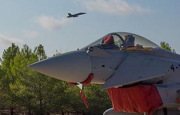 Eurofighter despegando de la Base Aérea de Albacete.