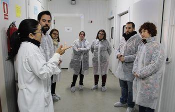 Mari Ángeles Martínez acompaña a los padres y madres del Consejo Escolar de Escuelas Infantiles en su visita a la empresa Copriser.