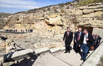 El presidente de Castilla-La Mancha, Emiliano García-Page, inaugura el parque arqueológico del Tolmo de Minateda. (Fotos: José Ramón Márquez // JCCM)