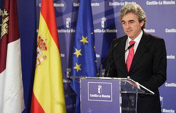 Leandro Esteban en rueda de prensa posterior al consejo de Gobierno. Foto: JCCM.