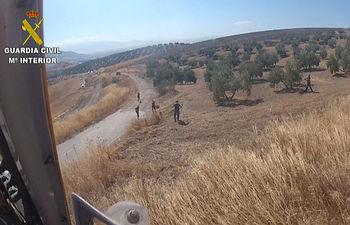 La Guardia Civil detiene a una persona que se dio a la fuga y estaba reclamado por 6 juzgados y 3 comisarías. Foto: Ministerio del Interior