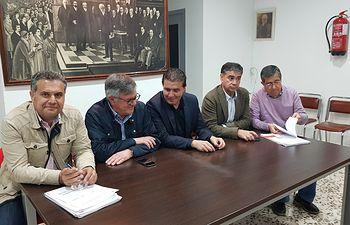 Encuentro en Hellín con alcaldes, portavoces y militantes de las comarcas de Hellín y Sierra del Segura