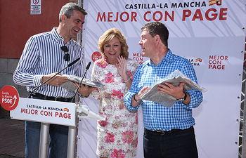 Emiliano García-Page durante un desayuno con militantes y simpatizantes en la Plaza de la Villa de Yuncos (Toledo)