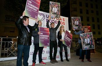 Pegada de carteles de Unidas Podemos en Albacete. Foto: Manuel Lozano Garcia / La Cerca