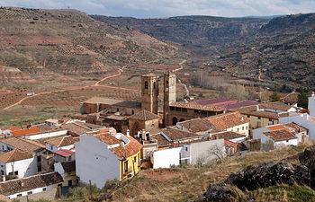 Vista de Alcaraz. Destacan las Torres de El Tardón y de La Trinidad. En la foto pequeña, un Lince Ibérico, especie protegida en peligro de extinción.