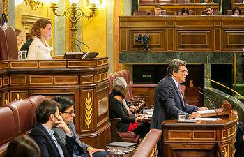 José Luis Escriva interviene ante el Pleno para defender el real decreto-ley de revalorización de pensiones.