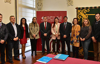 El rector de la UCLM, Miguel Ángel Collado, y la patrona de UNICEF Comité Español, María Ángeles Espinosa.