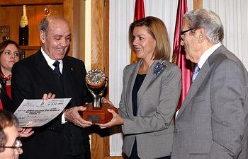 Cospedal asiste a la entrega del Premio Mejor labor humanitaria (1). Foto: JCCM.