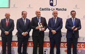 Grupo de Empresas San Román - Ambulancias Finisterre - Condecorado Placa Protección Civil.
