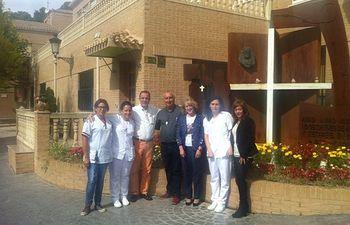 La diputada Maribel Serrano visita a las alumnas del Programa de Empleo Femenino que realizan las prácticas sanitarias en Hellín