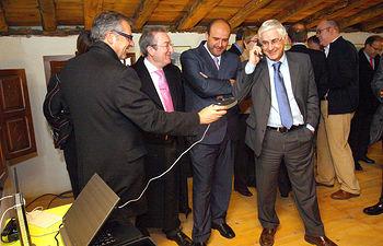El presidente de Castilla-La Mancha, José María Barreda, durante la presentación del proyecto de extensión de banda ancha a zonas rurales en Navas de Jadraque (Guadalajara).