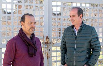 Pablo Bellido y Alberto Rojo, junto al Alcázar de Guadalajara.