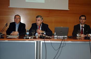 El acto de inauguración ha tenido lugar en el salón de grados del edificio Benjamín Palencia