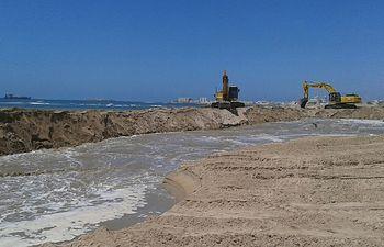 El Ministerio de Agricultura, Alimentación y Medio Ambiente inicia obras de emergencia en el litoral de Huelva y Cádiz para reparar los daños de los últimos temporales. Foto: Ministerio de Agricultura, Alimentación y Medio Ambiente