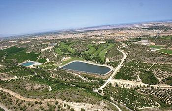 Según un estudio del CREA, realizado en la cuenca hidrográfica del Segura, se ha demostrado que más de 14.000 balsas se utilizan para regadío, de las cuales más de 11.000 se registran en la Comunidad Autónoma de Murcia.
