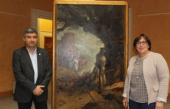 Francisco Navarro y Carmen Olmedo con la 'Pieza del mes'