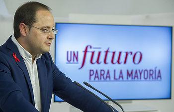 César Luena durante la presentación de la campaña electoral