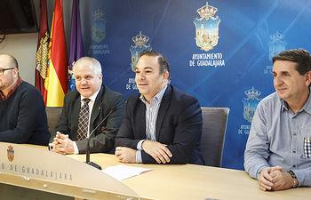 Presentación del Campeonato de España de Kárate, Antonio Escribano, presidente de la Federación Española de Kárate; Lucas del Castillo, diputado de Deportes