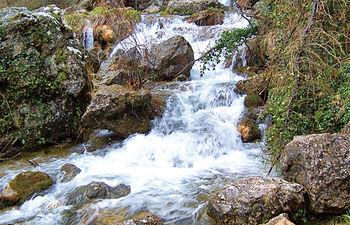 La formación en materia de agua es una de las temáticas más apreciadas por los encuestados. Foto: Nacimiento del río Mundo, en la Sierra del Segura, en Albacete.