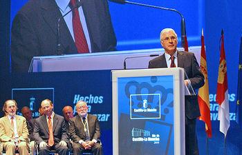 El presidente de Castilla-La Mancha, José María Barreda, durante su discurso del acto de celebración del Día de Castilla-La Mancha, en el Palacio de Congresos de Albacete.
